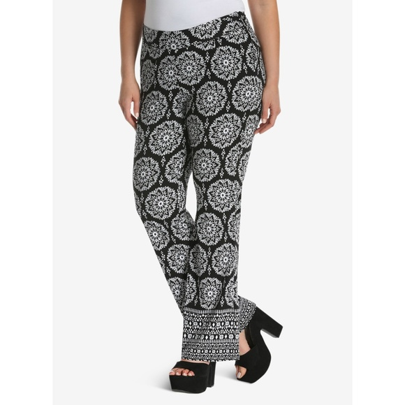 ab79f9768ea Torrid Insider Collection Print Flare Pants 24 NEW